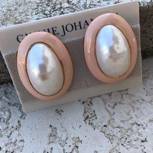 VINTAGE Pearl Costume Clip On Earrings Pink Trim